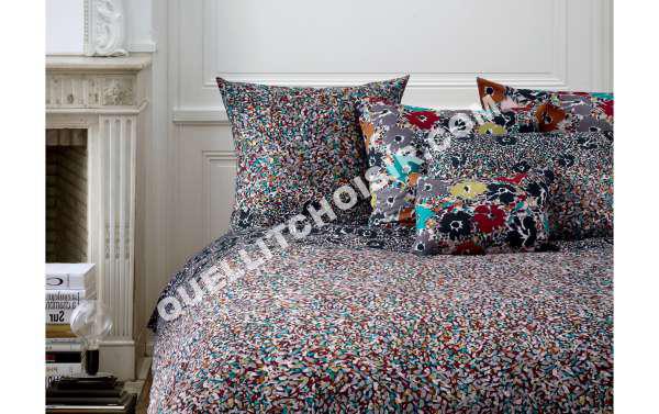 sonia rykiel maison simple drap de bain sonia rykiel foolish stripes par sonia rykiel maison. Black Bedroom Furniture Sets. Home Design Ideas